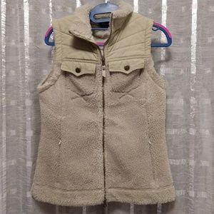 Royal Robbins beige zip up faux fur vest
